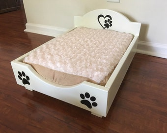 Dog Bed made in Solid Wood. New!