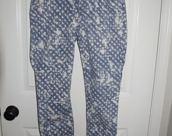 Blue and white spotted jeans