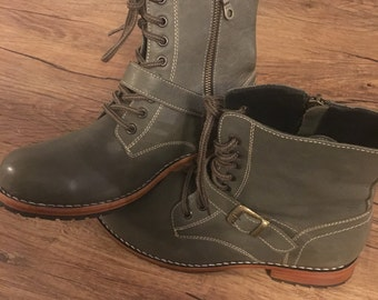 Leather Combat Boots (Size 8)