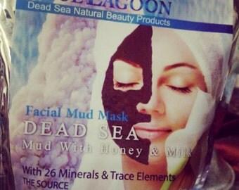 Dead sea mud mask with honey &milk