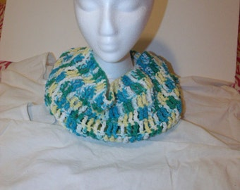 Woman's Cotton Cowl. Light Colors.