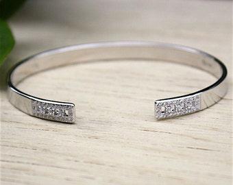 bracelet jonc en argent massif et zircons