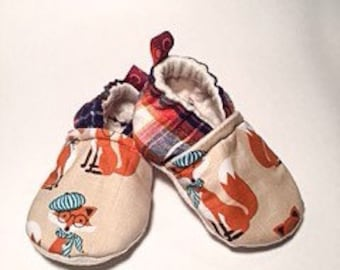 Baby booties // Crib Shoes // Baby slippers