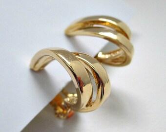 Goldtone Hoop Vintage Clip On Earrings - 5.00 Vintage Jewelry Earrings