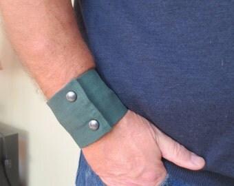 """Mens Wrist Wallet Cuff- """"Secret Stash"""" - hide your cash, key, health info  in a secret inside zipper.  Fits 8"""" wrist"""