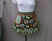Womens Aprons - Saint Patricks Day Aprons - Irish Pub Apron - Irish Aprons - Annies Attic Aprons - Irish Beer Aprons - Green Aprons