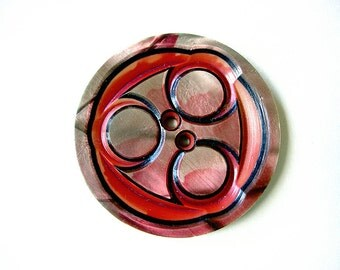 Art Deco Designed Vintage Layered Celluloid Button
