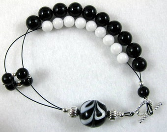 Dark Shadows Black Onyx Row Counting Bracelet for Knitting and Crochet - Item No. 822