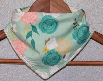 Bandana bibs - scarf bibs - bibdana - baby bib - floral bibs - flower bibs - baby shower gift set - Girl bib - baby scarf -  Finney