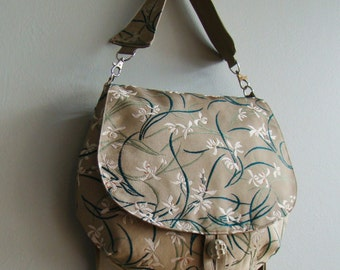 Two way Round tote - white flowers