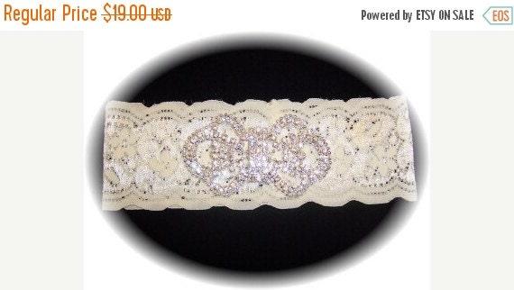 FALL SALE Ivory Lace Keepsake Wedding Garter - bridal lingerie RB 492