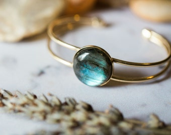 Bronze Labradorite Cuff Bracelet - Flashy Semi Precious Stone - Protective Gem, Self Awareness and Clarity - Meditation Jewelry, Simple Gold