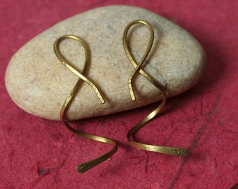 Handmade solid brass 3D spiral earring, one pair (item ID LBS18G43)
