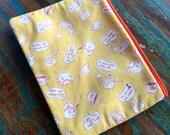 medium zipper pouch spot of tea