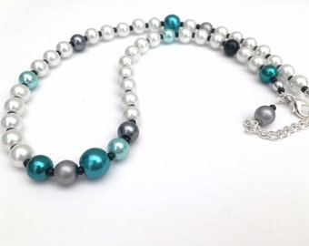 White and Teal Single Strand Necklace, Abstract Style Jewelry, Pearl Beaded Necklace, Unique Jewelry, Fashion Jewelry, Bridesmaids Gift