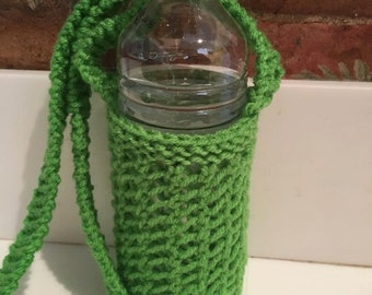 Handknitted water bottle holder