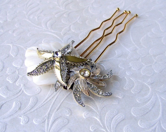 Double Starfish Jeweled Rhinestone Gold Wedding Hair Comb Mother Of Pearl Bridal Hairpiece Boho Chic Beach Bride Bohemian Shell Headpiece
