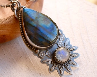 Detailed Labradorite and Moonstone Necklace, Boho Chic Hand Fabricated Jewelry, Handmade Artisan Metalwork, Botanical Silver Necklace