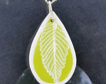 Bright Elm Leaf Necklace