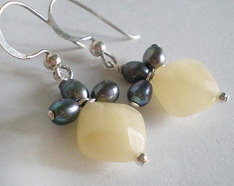 Yellow Jade with Gray Peacock Freshwater Pearls Sterling Silver dangle earring