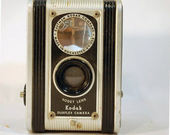 Vintage Kodak Duaflex Camera  through the view finder TTV photography pictures Kodet lens vintage camera 1940s photography
