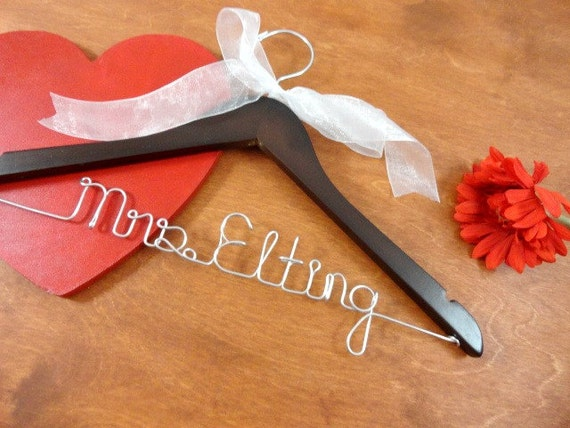 Wedding name hanger bridal hangers bride coat hanger wedding for Wedding dress hangers with name