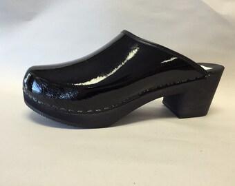 Black patent medium heel full clog
