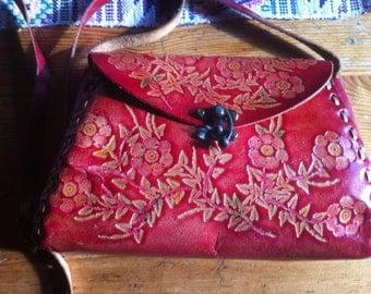 Vintage red keather shoulder bag embossed strap