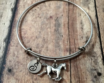 Horse initial bangle - horse jewelry, gift for horse lover, equestrian jewelry, horse riding jewelry, horse bangle, silver horse bracelet