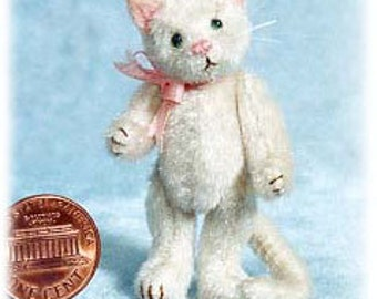 "PDF Pattern & Instructions for Miniature Cat - Pussycat- 2 1/4"" tall -  by Emily Farmer"