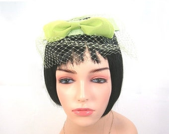 Lime Green Woman's Halo Hat, Front Bow, Vintage c1960s, Birdcage Halo with Netting, Facinator, Minty