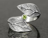 Peridot leaf ring in sterling silver - elf pixie tribal boho