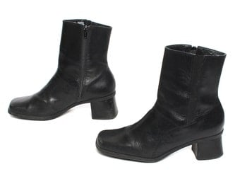 size 10 CHELSEA black leather 80s 90s MINIMAL GOTH zip up ankle boots