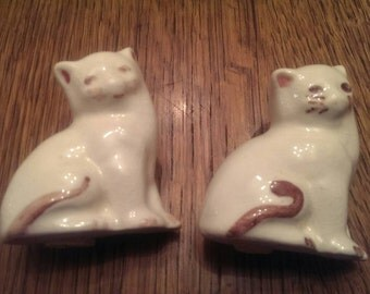Vintage Pottery Cat Salt and Pepper Shakers