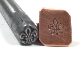 fleur-de-lis design stamp for jewelry stamping and silver working 5.5mm x 4.5mm