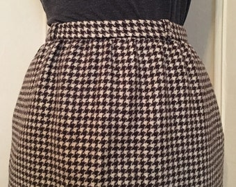 1980s brown houndstooth pencil skirt - CENTURY PETITES, vintage size 3/4, xs to small
