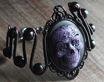 Skull bracelet, Gothic chic, Skull Jewelry - Bracelet with Purple Sugar Skull cameo