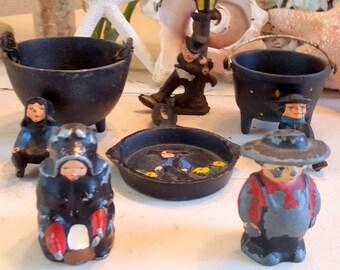Vintage Cast Iron Decorative Colonial Toys Pieces Salt and Pepper