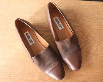 vintage 90s shoes 8.5 / brown leather shoes / leather suede flats