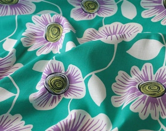 4318 - Retro Floral Cotton Fabric - 59 Inch (Width) x 1/2 Yard (Length)
