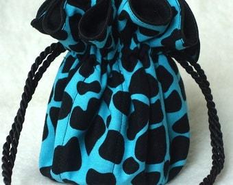 Anti Tarnish Jewelry Pouch Bag in Blue Giraffe