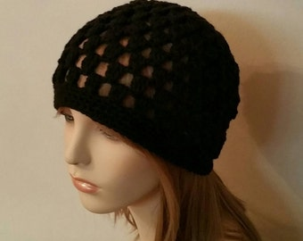 Crochet Beanie Cloche Hat in Black
