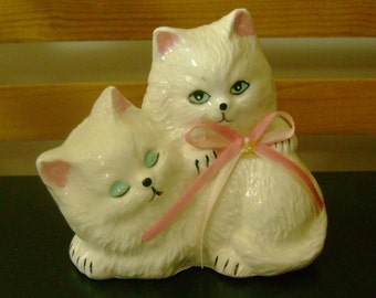 Vintage White Persian Duo - Ceramic - Trippies 1990
