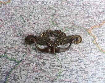 SALE! 1 Curvy vintage acorn motif brass metal pull handle