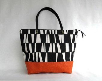 Sara D. Shoulder Bag // STIX Handbag // Large Handbag //  Black- and -White // Tote // Fashion Handbag
