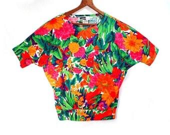 80's vintage VIVID FLORAL batwing top //  knit t-shirt top // dolman sleeves // S