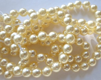 "20"" Strand of Vintage 7mm Cream Round Glass Pearl Beads"