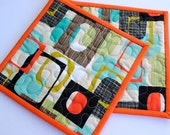 Quilted Potholders, Retro Potholders,  Mid-Century Modern Potholders, Gifts under 20 Dollars, Set of 2 Hotpads, Pot Holder, Hostess Gift