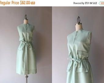 STOREWIDE SALE 1960s Linen Dress / 60s Starke of London Bloused Sheath Dress / 1960s Linen Day Dress