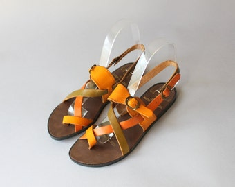 Vintage Sandals / 1980s Strappy Leather Sandals / 70s Leather Craft Olive and Orange Sandals